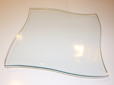Sklenený tanier zvlnený štvorec 25x25cm