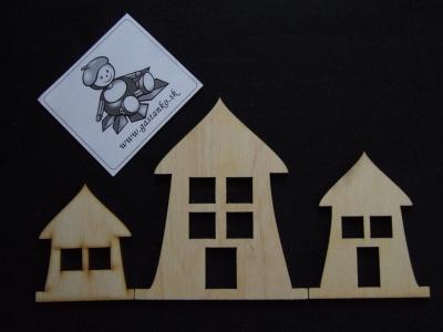 Tri domčeky väčšie
