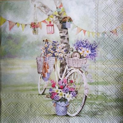 Zakvitnutý bicykel pod stromom