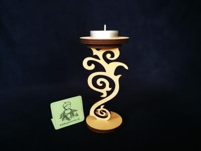 Elegantný stojanček na čajovú sviečku