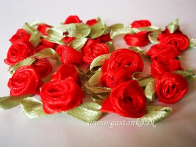 Saténové ružičky 25ks sýtočervené
