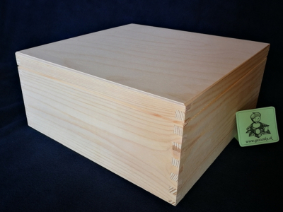 Kufrík 30x30