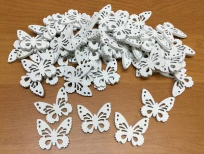 Biely motýlik 3cm