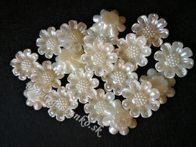 Margarétky 20mm perleťové biele